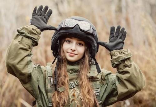 Женщина имеет право подбирать любую разновидность войск